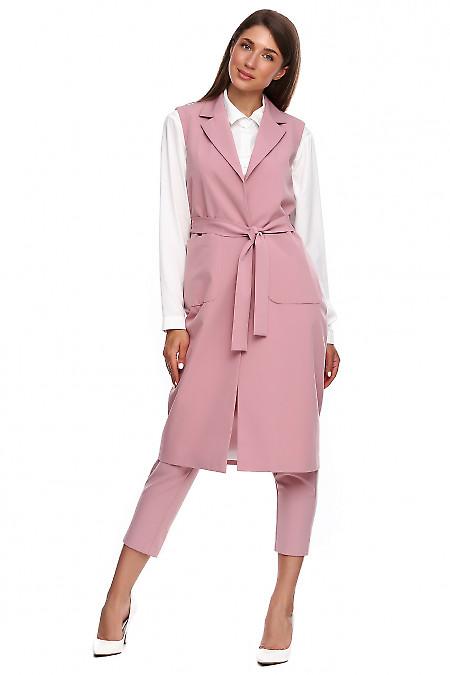 Жилет длинный бледно-розовый. Деловая женская одежда фото