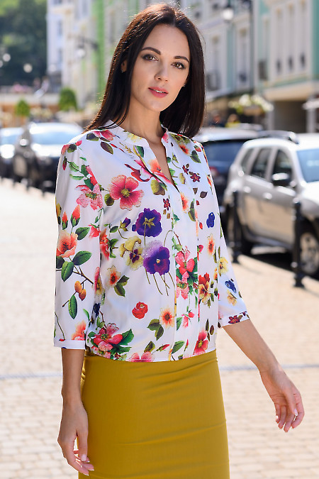 Женская блузка в маки  фото