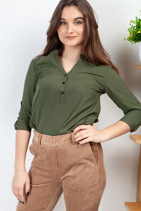 Блузка хаки с кокеткой. Деловая женская одежда фото