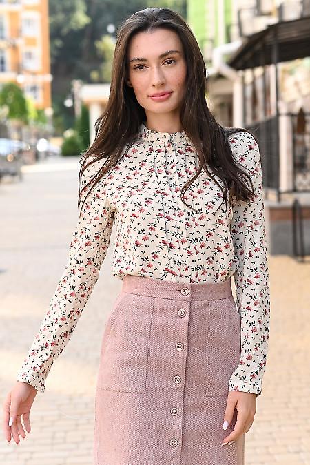 Блузка молочная с широкими складками. Деловая одежда