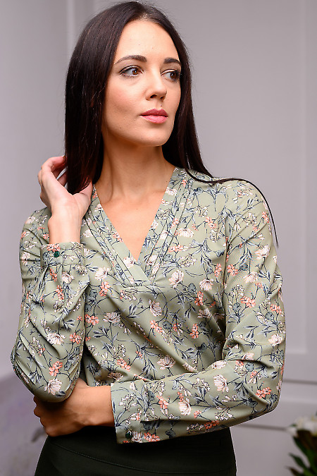 Женская блуза оливкового цвета
