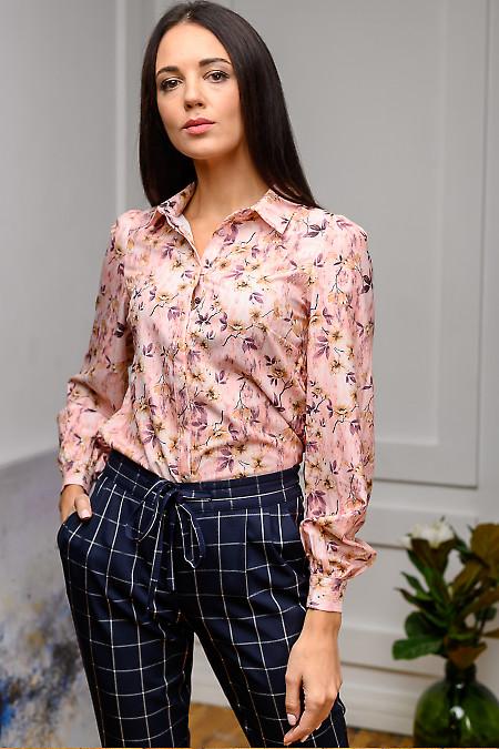 Блузка розовая с бантовой складкой. Деловая одежда фото
