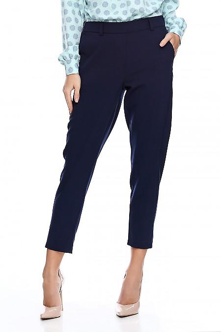 Брюки синие укорочённые на резинке. Деловая женская одежда фото