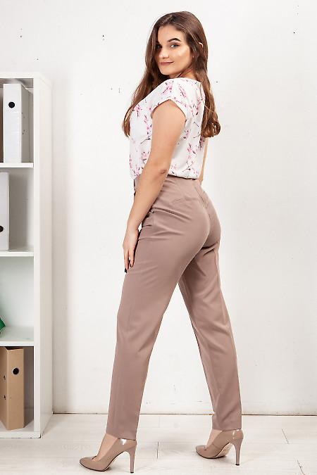 Купить брюки темно-бежевые с карманами. Деловая женская одежда фото