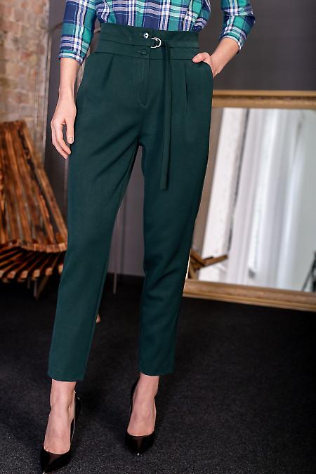 Брюки зеленые с пряжкой. Деловая женская одежда