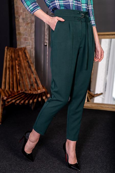 Женские брюки зеленые с пряжкой