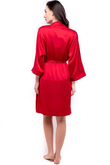 Красный халат из шелка
