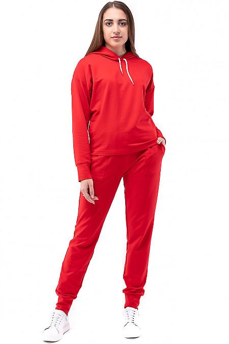 Красный костюм спортивный с капюшоном. Деловая одежда