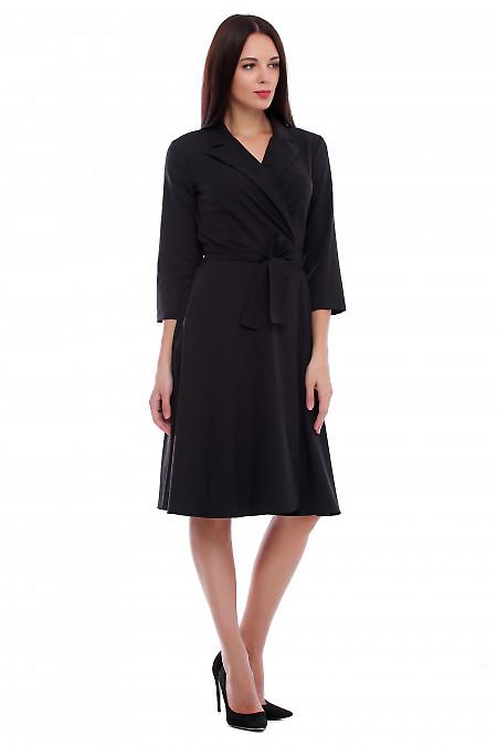 Купить платье черное на запах с поясом. Деловая женская одежда фото