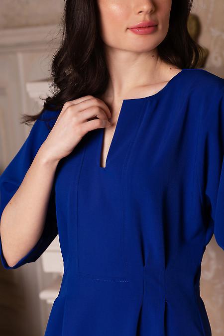Купить платье электрик с разрезом. Деловая женская одежда фото
