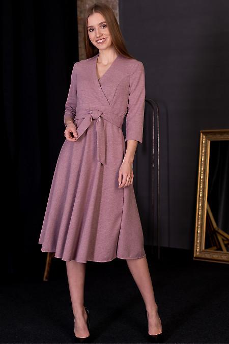 Платье из розового трикотажа. Деловая женская одежда