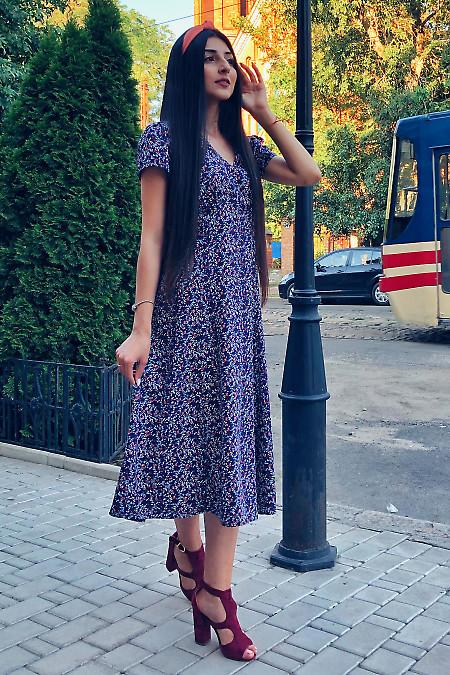 Летнее платье в цветы из хлопка синего цвета
