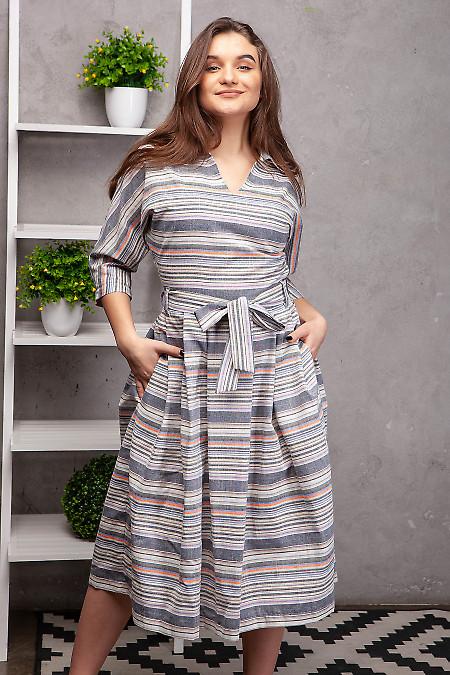 Платье льняное серое в полоску. Деловая женская одежда фото
