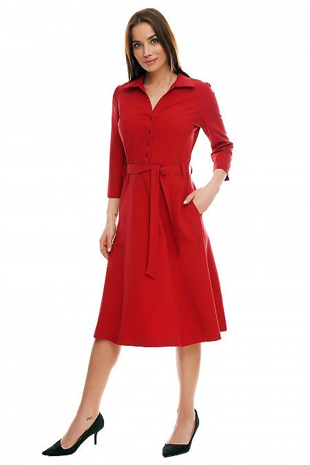 Платье миди бордовое под пояс. Деловая женская одежда фото