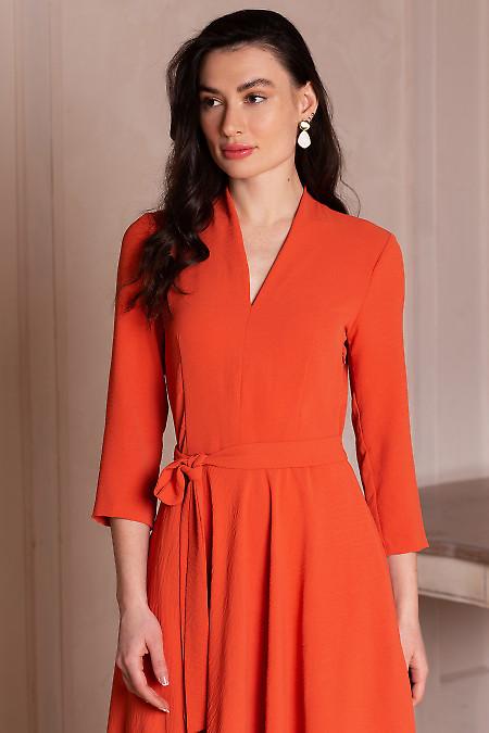 Купить платье оранжевое с поясом. Деловая женская одежда фото