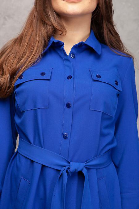 Платье сафари электрик с карманами. Деловая женская одежда фото