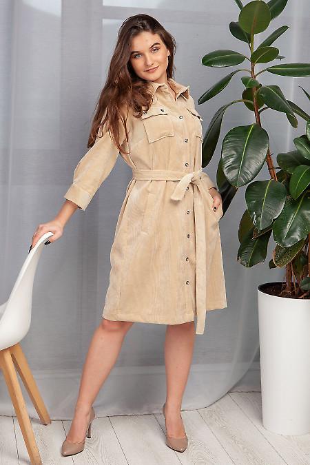 Платье сафари из бежевого вельвета. Деловая одежда фото