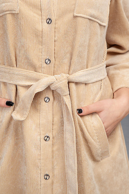 Бежевое платье из вельвета фото