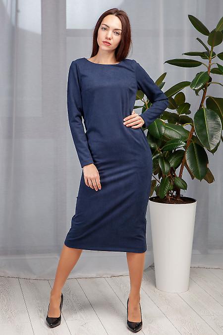 Купить платье синее прямое длиной миди. Деловая женская одежда фото