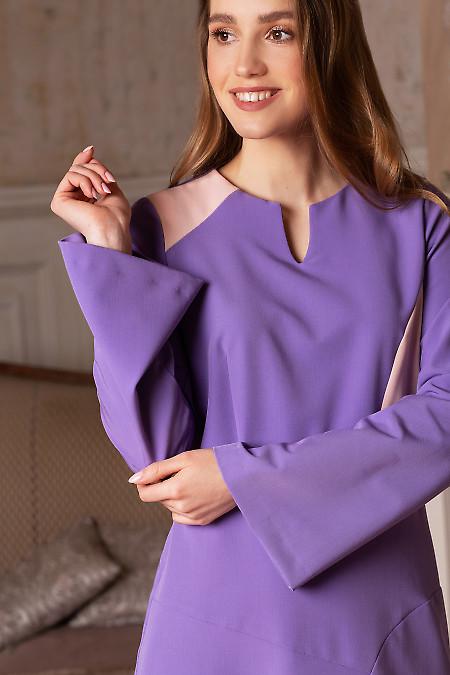 Сиреневое женское платье с вставками