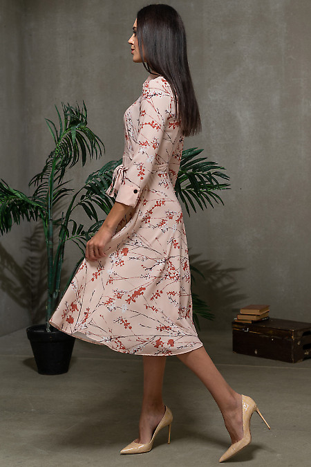 Розовое платье в цветочный принт фото