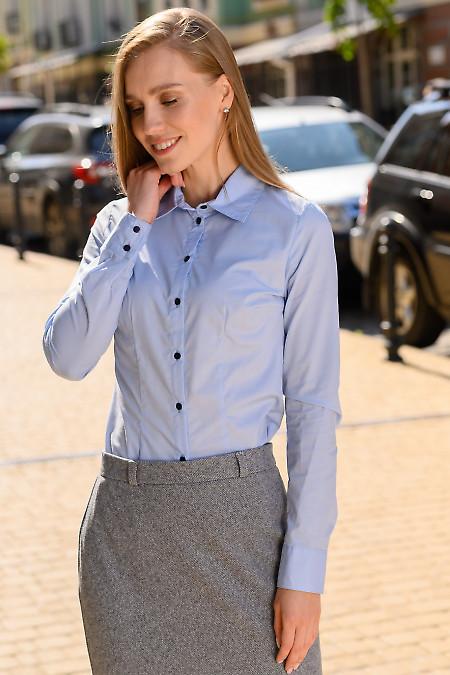 Классическая женская голубая рубашка фото