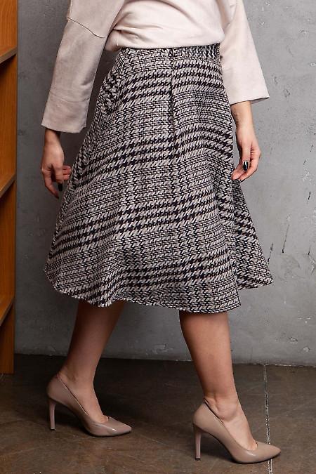 Купить юбку пышную в крупную бежевую лапку. Деловая женская одежда фото