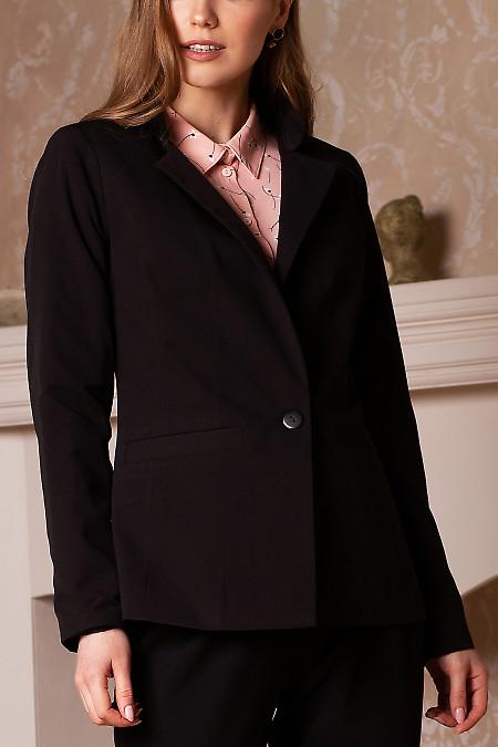 Жакет чёрный женский удлиненный со стойкой. Деловая женская одежда фото