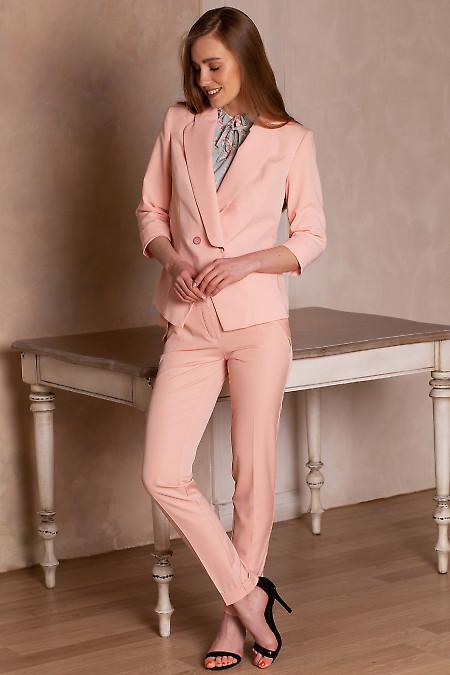 Жакет персикового цвета из костюмной ткани