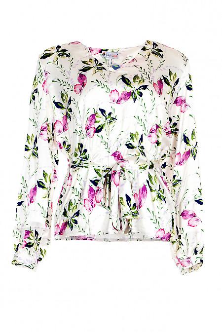 Блузка біла шовкова з гумкою в поясі. Діловий жіночий одяг.