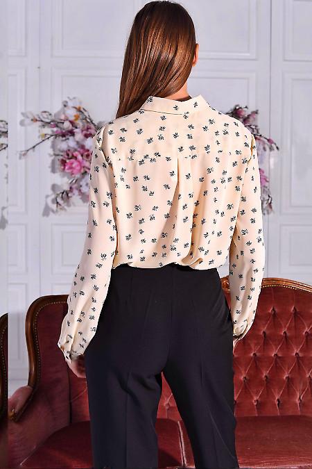 Блуза в цветы бежевая