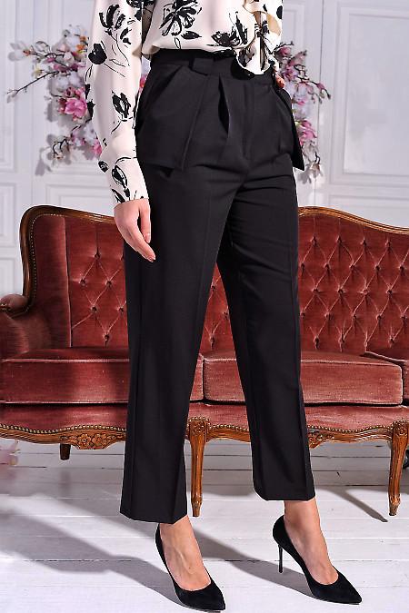 Чорні брюки з костюмної тканини