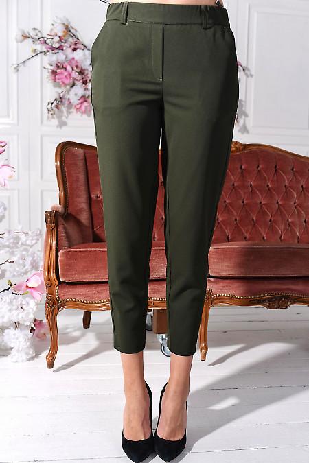 Брюки зелені вкорочені на резинці з кишенями. Діловий жіночий одяг