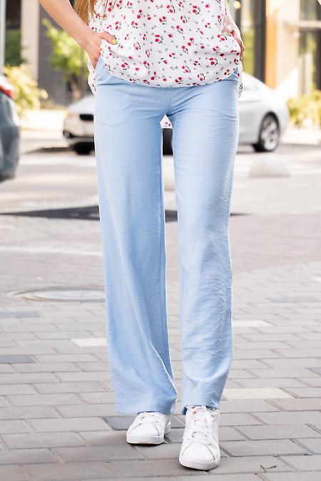 Брюки женские голубые летние. Деловая женская одежда фото