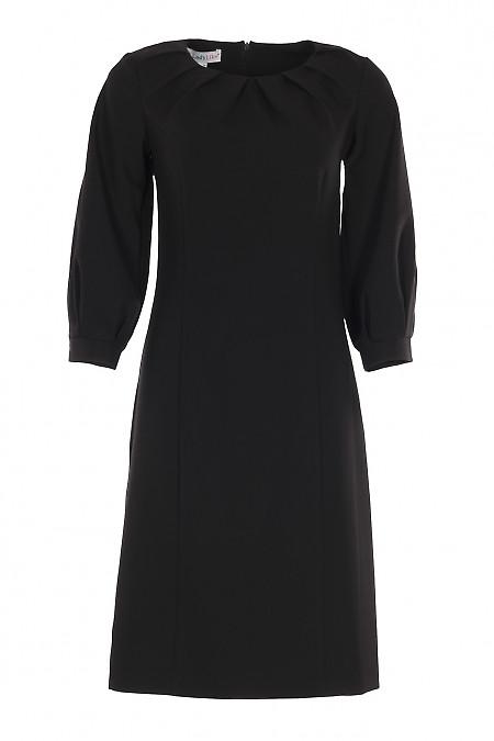 Платье нарядное черное со складками. Деловая женская одежда фото