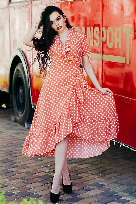 Платье в горох с воланом. Деловая женская одежда фото