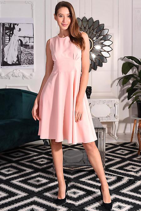 Сукня рожева із защипами. Діловий жіночий одяг