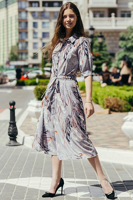 Платье сафари длиною в миди. Деловая женская одежда фото