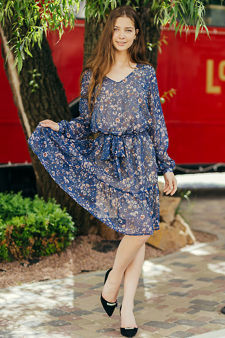 Легкое шифоновое платье на подкладке. Деловая женская одежда фото