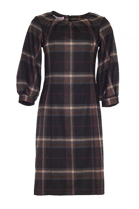 Платье в клетку с защипами и пышным рукавом. Деловая женская одежда фото