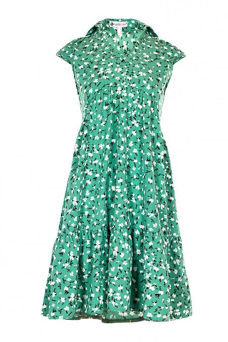 Зелена сукня з широким рюшем. Діловий жіночий одяг.