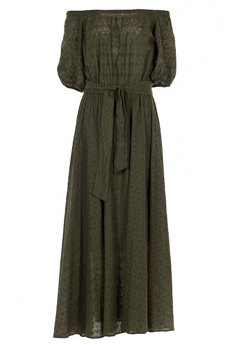Платье зеленое с открытыми плечами. Деловая женская одежда фото