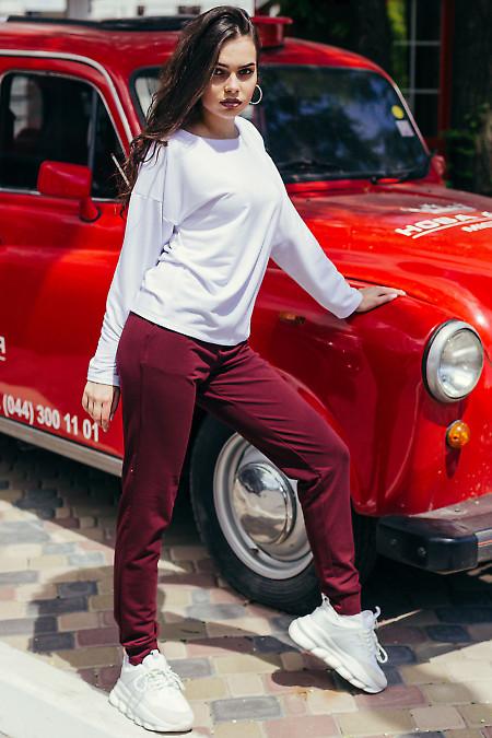 Спортивный женский костюм бело-бордовый. Женская одежда фото