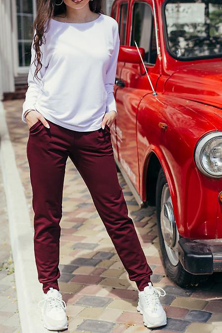 Купить спортивный костюм с бордовыми брюками. Женская одежда фото