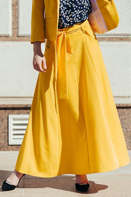Юбка пышная желтая с поясом. Деловая женская одежда фото