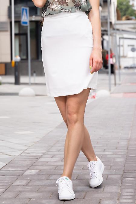 Юбка трапеция коротенькая белая. Деловая женская одежда фото