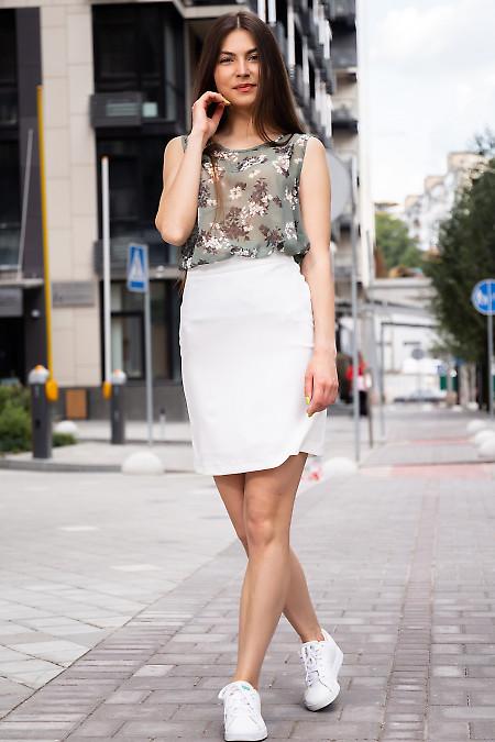 Юбка короткая стильная белого цвета. Деловая женская одежда фото