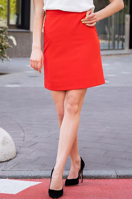 Купить яркую короткую юбку. Деловая женская одежда фото