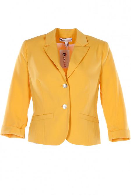 Желтый короткий жакет с манжетой. Деловая женская одежда
