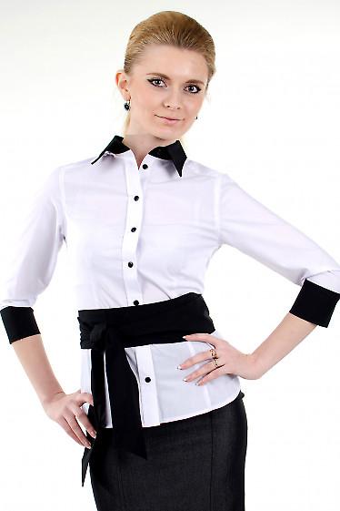 Фото Блузка белая с черным воротником Деловая женская одежда